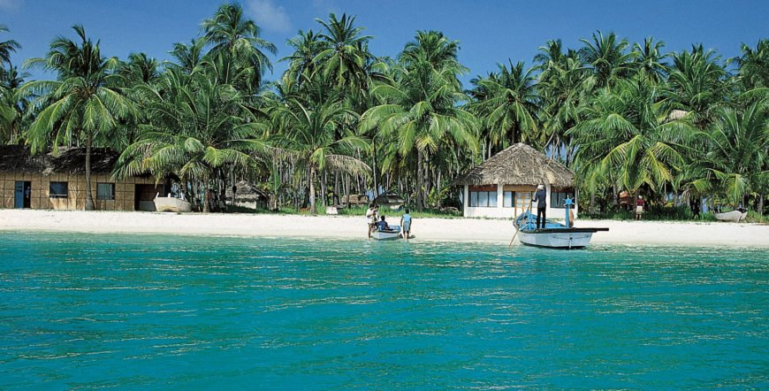 4 Days Coral Reef Lakshadweep Island Tour Package