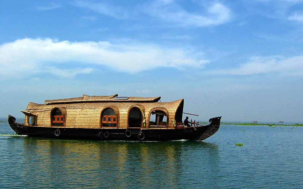 kumarakom-backwaters
