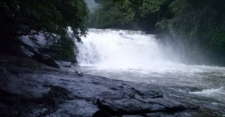 waterfall-thommankuthu-kerala