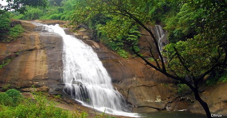 waterfall thusharagiri kerala