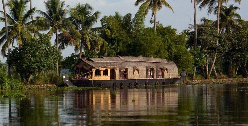 Houseboat in Alleppey Backwaters