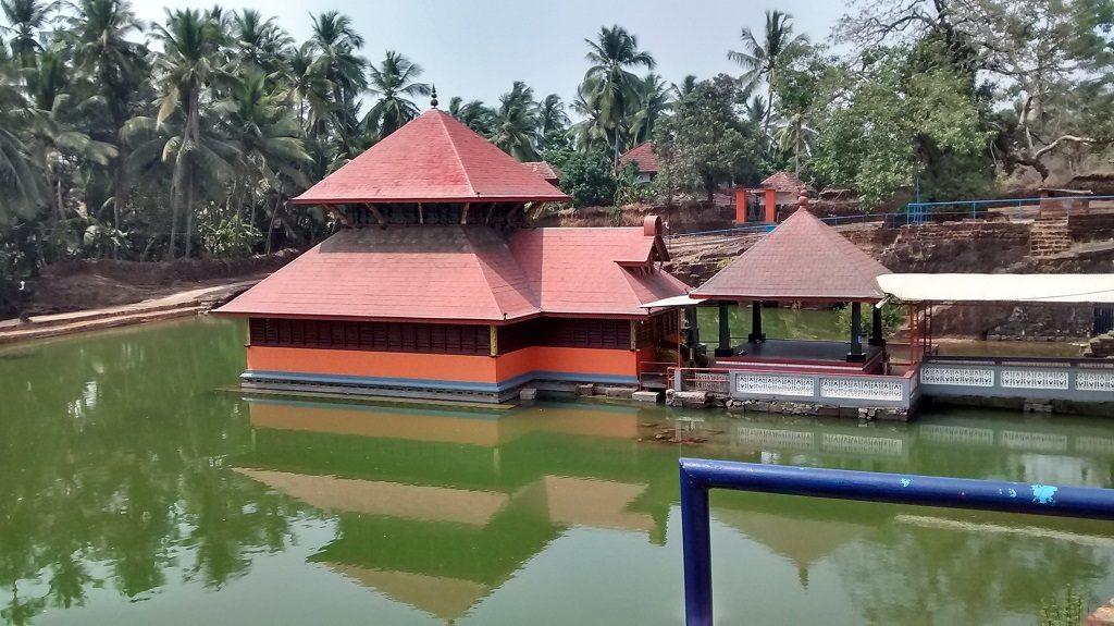 Ananathapuram-Lake-temple