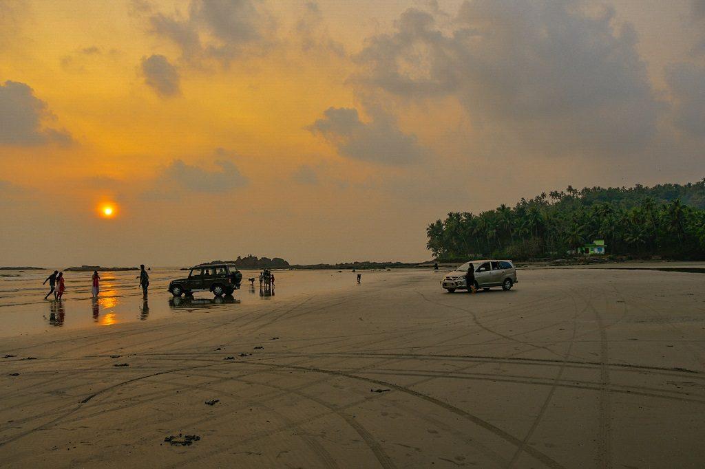 muzhappilangad-drive-in-beach