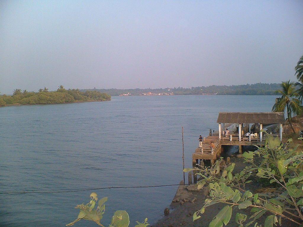 va;apatanam-river-kannur