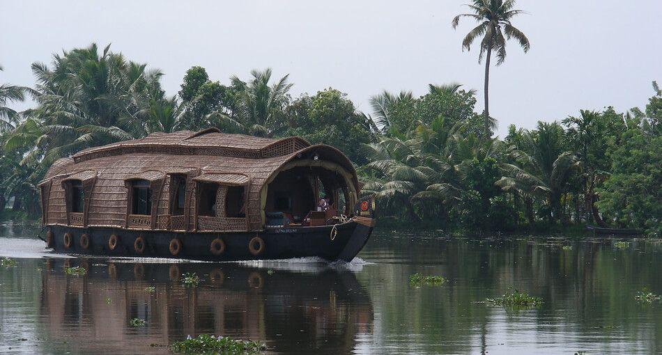 kumarakom houseboat in kerala