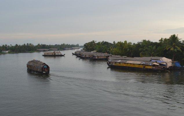 kerala houseboat boarding place