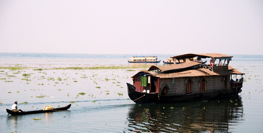 Houseboat in Kumarakom & Alleppey