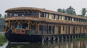 6 bed room luxurious houseboat