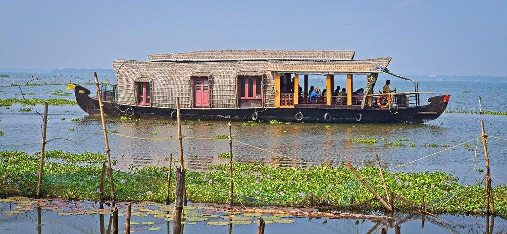 kumarakom-houseboat
