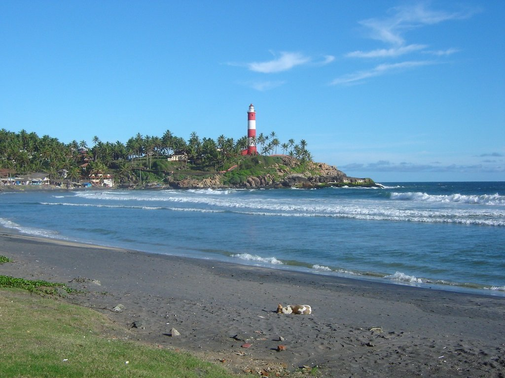 lighthouse-beach-kovalam