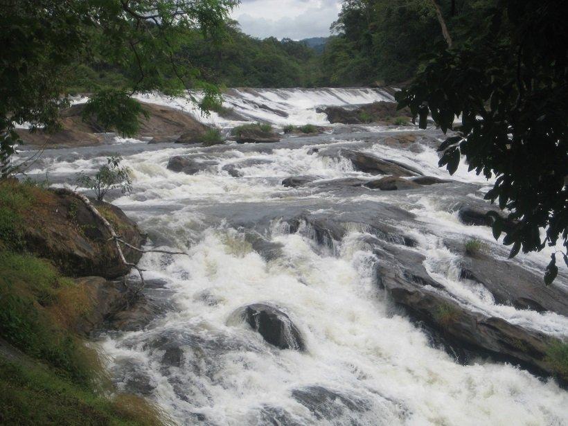 vazhachal-waterfalls